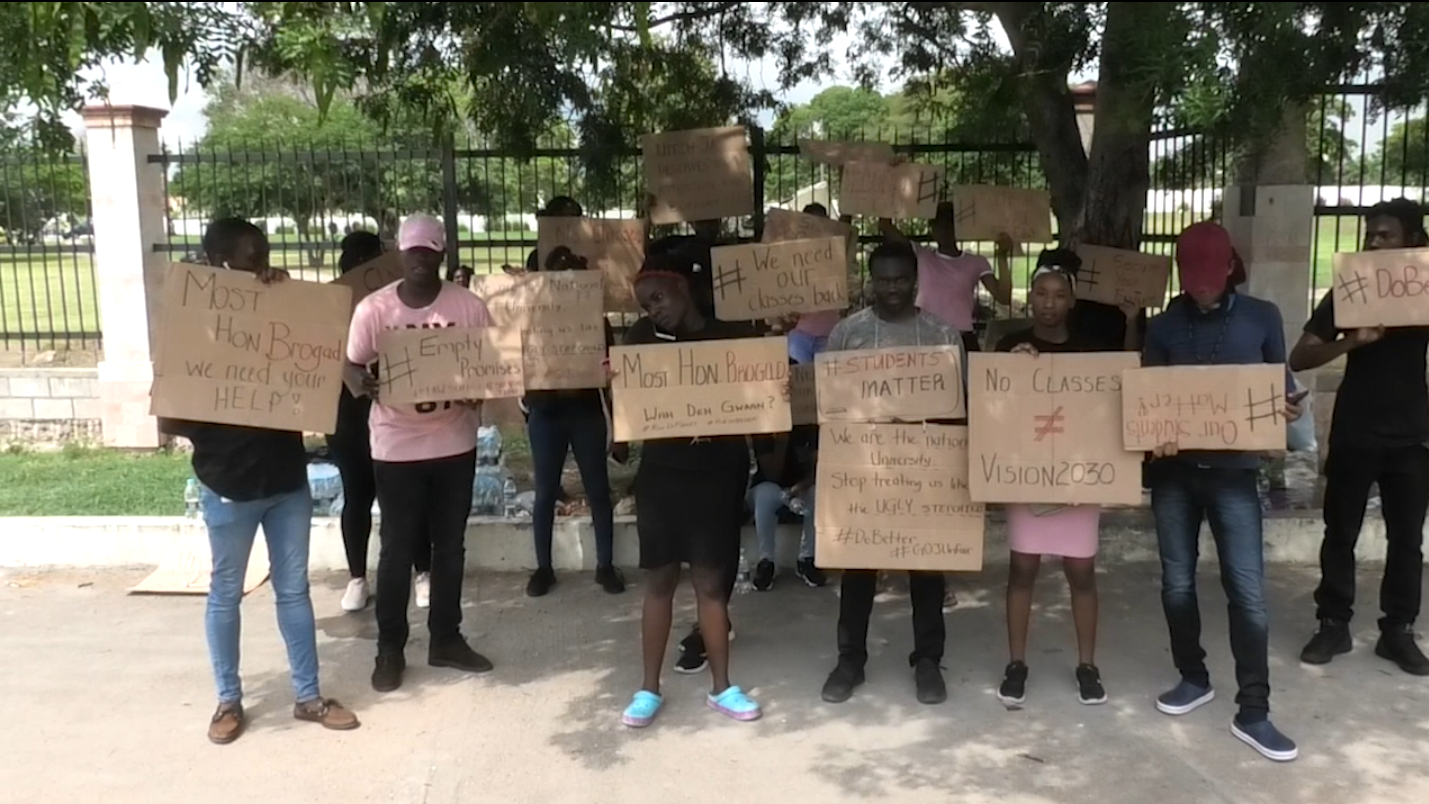 UTech, Ja. Students Stages Protest At Ministry Of Education