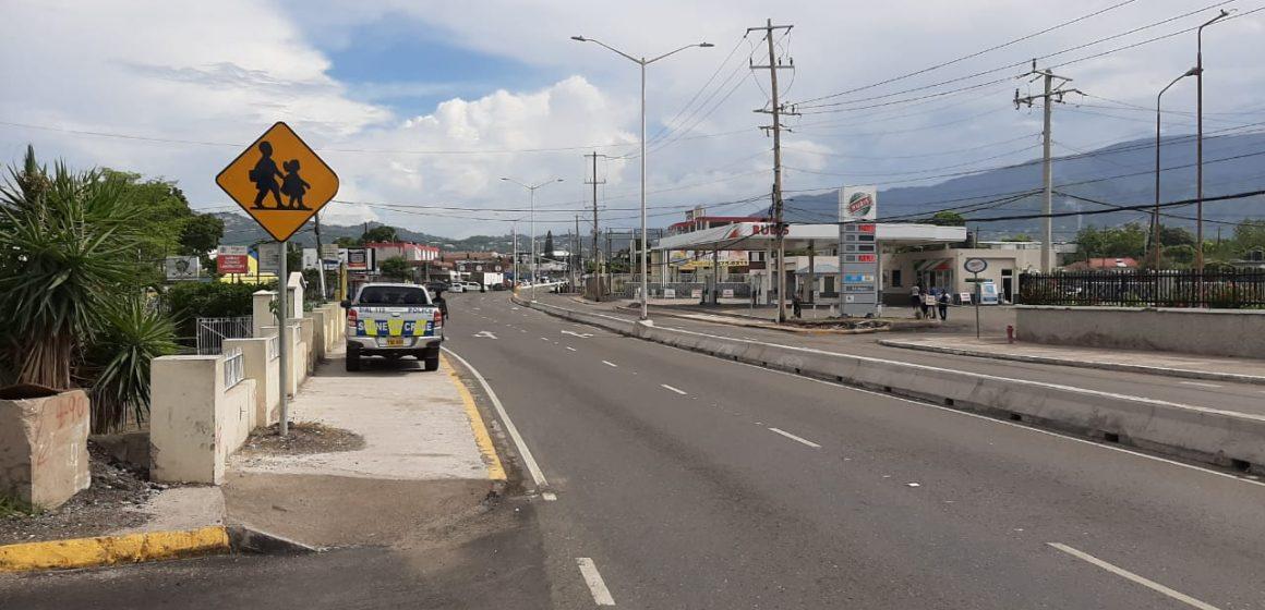 Watch: Fatal Shooting On Constant Spring Road Between Gunmen & Police