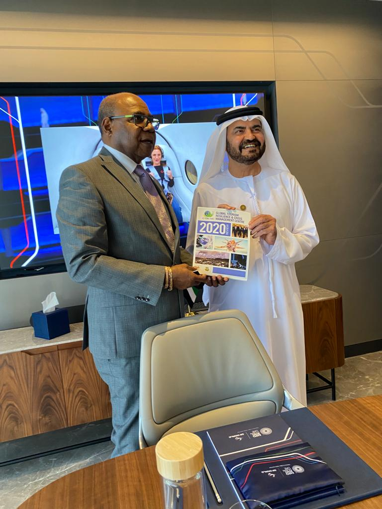 Bartlett Holds Cruise Investment Talks with DP World