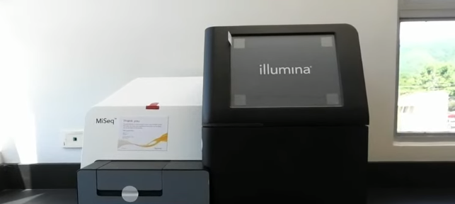 CHASE Donates a Genome Sequencer to UHWI